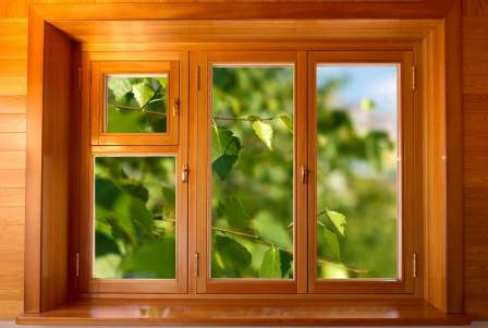 okno derevyannoe