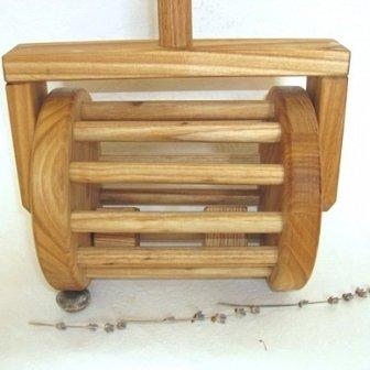 Деревянная каталка своими руками