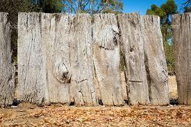 срок эксплуатации деревянного забора