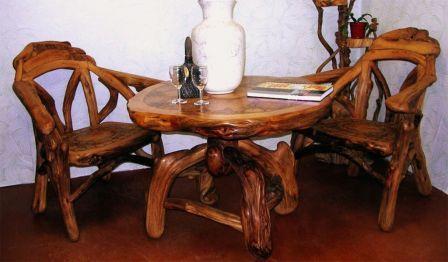 samodelnii stol i stul iz dereva