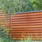Чем обработать деревянный забор?