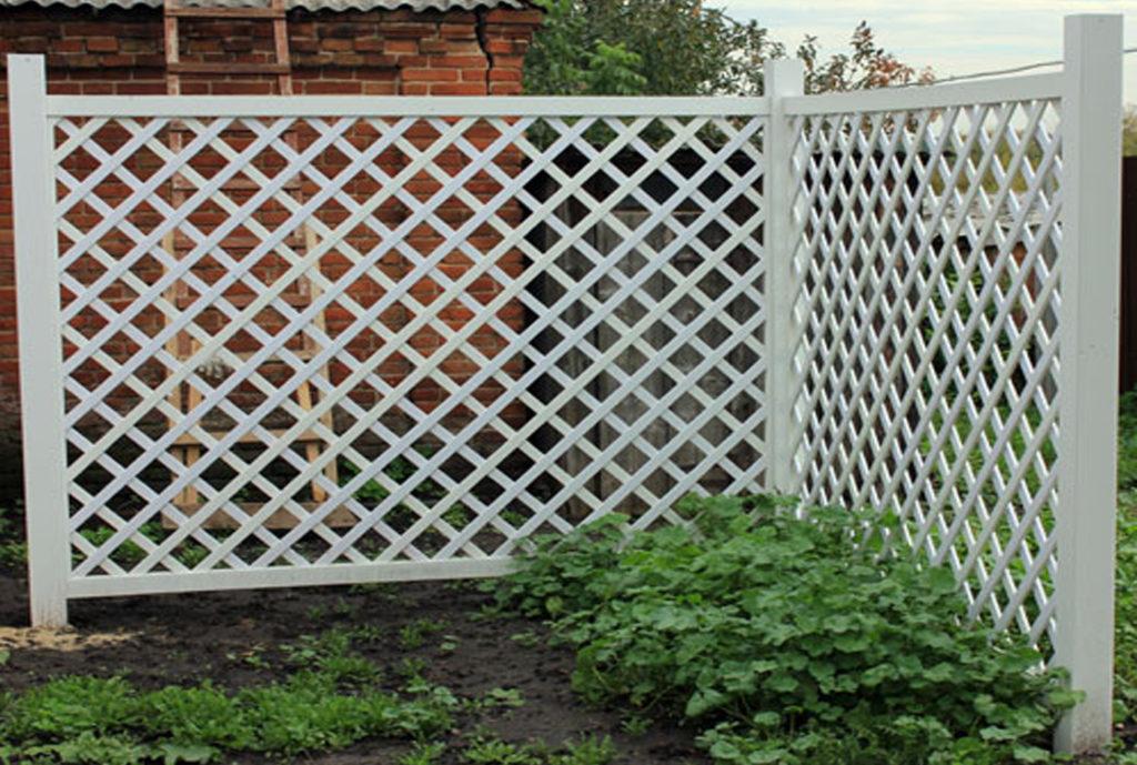 Деревянный забор решетка