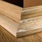 Установка деревянного плинтуса