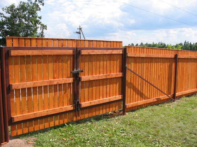 Деревянный дачный забор