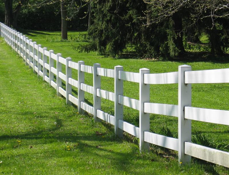 Деревянный забор ранчо для частного дома