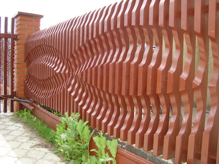 Забор декоративный из дерева