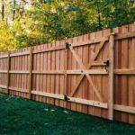 Преимущества деревянных заборов