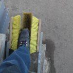 Самодельное приспособления для чистки обуви