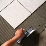 Сколько наносить плиточного клея чтобы не отвалилась плитка