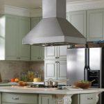 5 способов замаскировать гофру от вытяжки на кухне