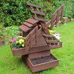 Самодельная ветряная мельница для украшения сада