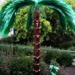 Креативная пальма из пластиковых бутылок своими руками