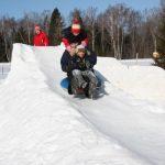 Строительство детской зимней горки своими руками