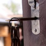 Какие ошибки установки замка не дают провернуть ключ