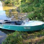 Как переделать обычную лодку в моторную с помощью двигателя от скутера
