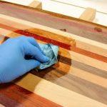 Три легких способа самому сделать масло воска для покрытия деревянных поверхностей