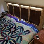 Как самостоятельно оборудовать кровать изголовьем со светодиодной подсветкой