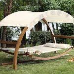 Как сделать кровать-качалку с навесом для отдыха на своем участке