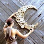 5 идей поделок из древесных спилов для украшения дома