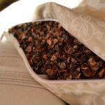 Как самостоятельно сделать подушку из гречневой лузги