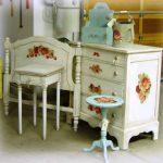 Реставрация мебели в стиле винтаж с использованием техники кракле