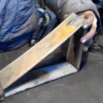 Как сделать надежный «башмак» с шипами под колесо автомобиля