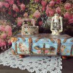 Как сделать декоративный сундучок из старого чемодана
