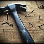 Как смастерить самодельный молоток не хуже магазинного