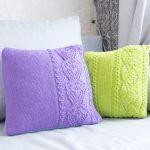 Яркие съемные чехлы на подушки, связанные своими руками