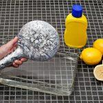 Легко и быстро очистить известковый налет с лейки и шланга