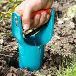 Как сделать машинку для бурения лунок под рассаду