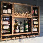 Самодельный шкаф-винотека из старых паллет и досок