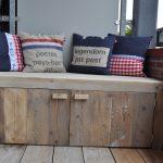 Лавки-ящики на балкон из простых деревянных досок своими руками