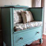 Мини-диванчик для ребенка из старого советского шкафа