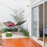 Как смастерить удобный гамак из ткани на балкон своими руками