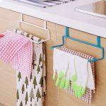 Как сделать вешалку-органайзер под кухонную мойку, чтобы там воцарился порядок