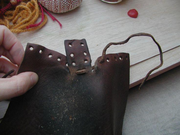 Поделки из старых кожаных сапог фото