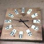 5 идей для оригинальных самодельных часов из подручных материалов