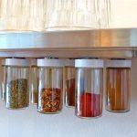 Как освободить место на кухонных полках с помощью самодельных емкостей на магнитах
