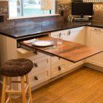 Как переделать обычную столешницу в выдвижную, чтобы сэкономить место на кухне