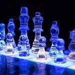 Как сделать шахматные фигурки из эпоксидной смолы не хуже магазинных