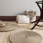 Как смастерить практичный и креативный придверный коврик из того, что под рукой