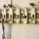 5 простых моделей вешалок, которые легко сделать своими руками