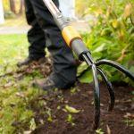 Самодельный корнерез для садовых сорняков