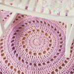 Красивейший коврик на пол, связать который не труднее, чем обычную салфетку