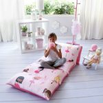 Как сделать удобный детский матрас из нескольких одинаковых подушек