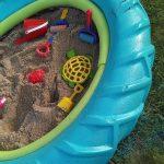 Как смастерить песочницу для ребенка на даче из старых покрышек