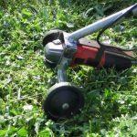 Садовый триммер из болгарки: незаменимая самоделка на дачном участке
