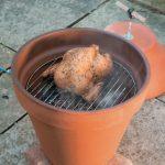 Переносная коптилка-гриль на садовом участке почти за бесплатно своими руками