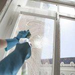 Как помыть окна и зеркала без единого развода